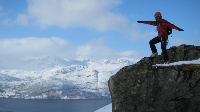 Em poses on a rock (Tomesrenna, Norway)
