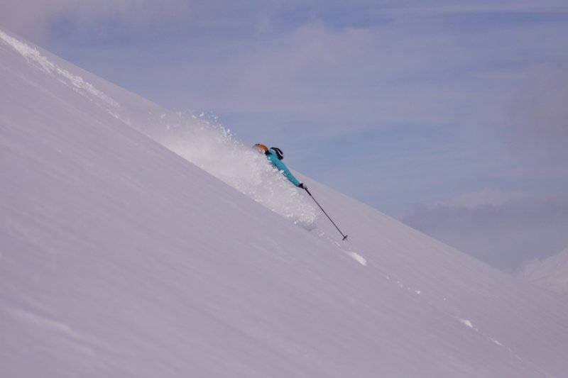 Emily about to make a turn (Rørnestinden, Norway)