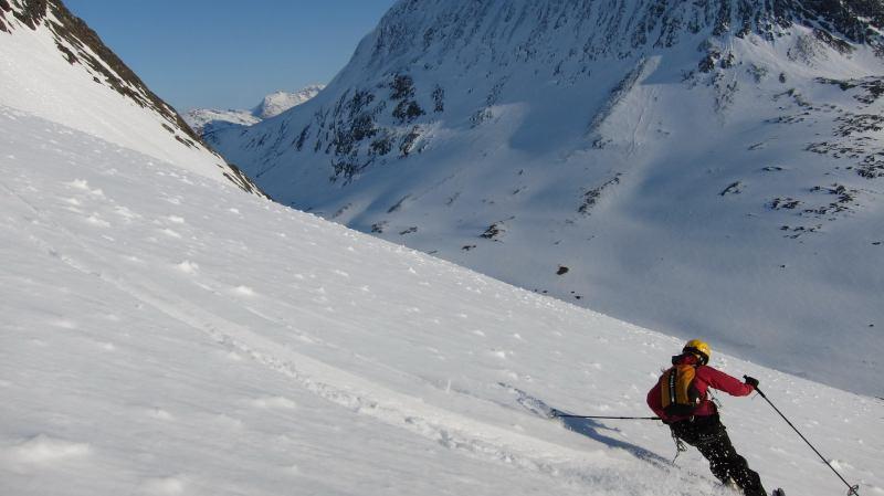 Emily skiing down (Langdalstindane, Norway)