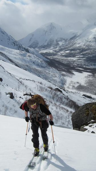 Hallvard slogs up the mountain (Tomesrenna, Norway)