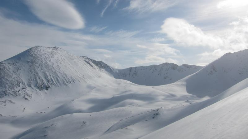 Snowy mountains 2 (Rørnestinden, Norway)