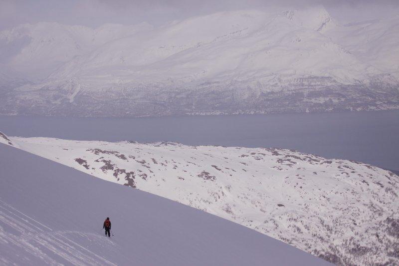 Tim descending 2 (Rørnestinden, Norway)