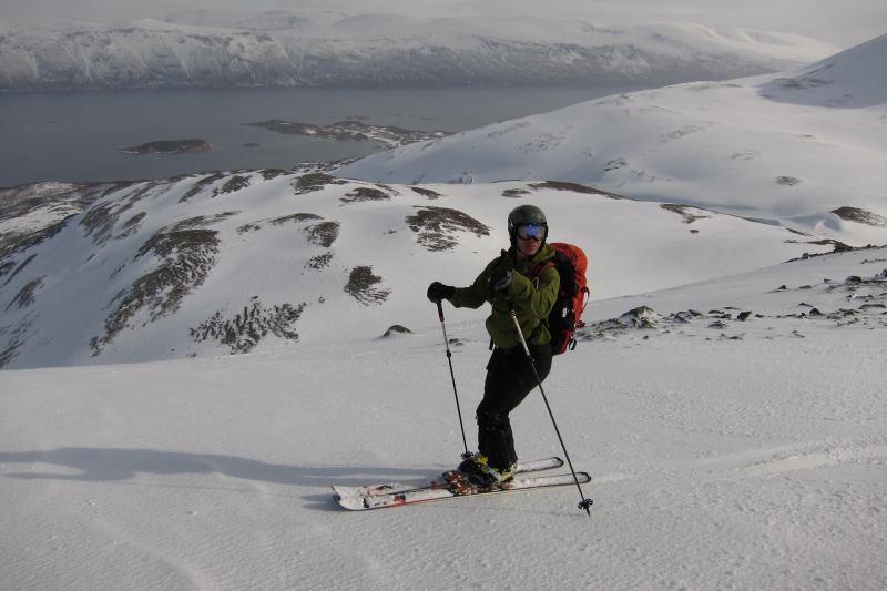 Tim skiing (Rørnestinden, Norway)
