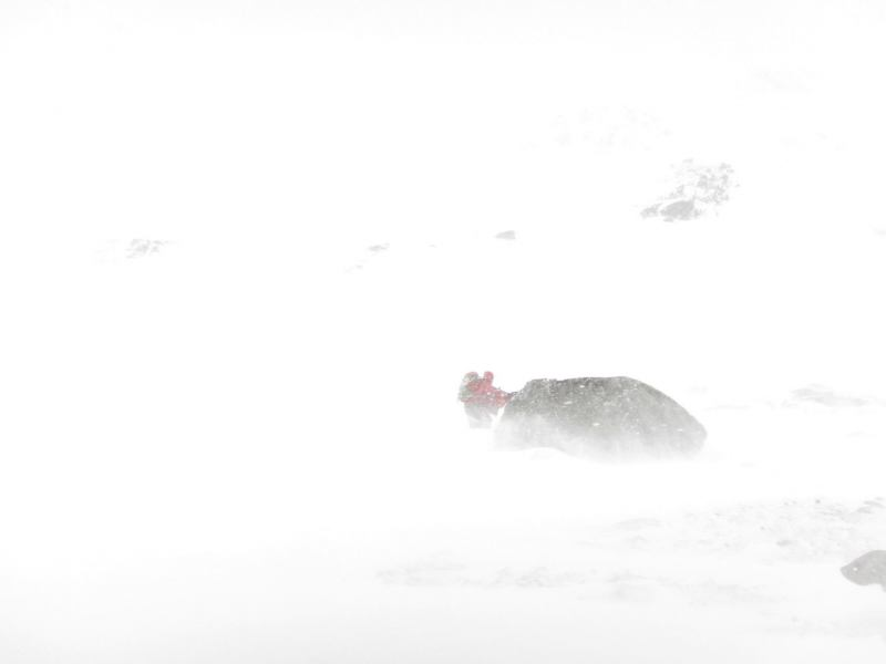 White out at the saddle (Stortinddalen, Norway)