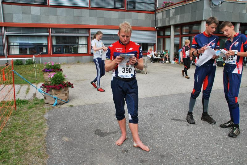 Cris is confused by his map (Midtnattsolgaloppen 2009)