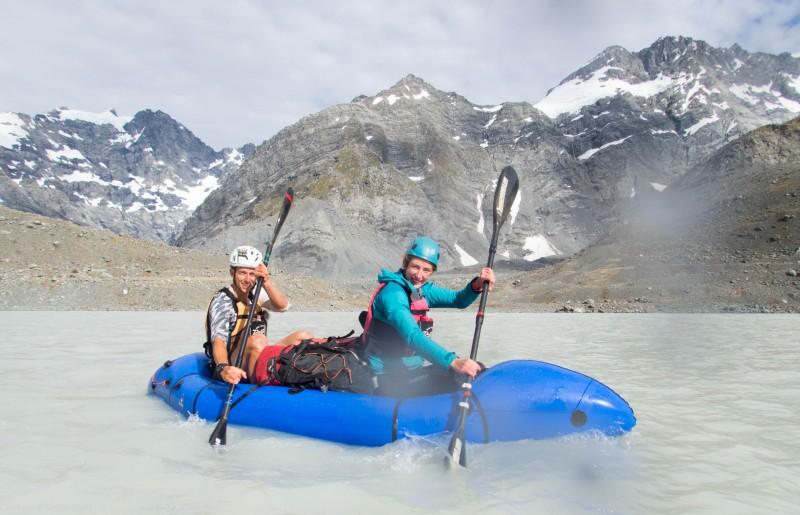 Pat and Georgia paddling (Mountain rafting Dec 2018)
