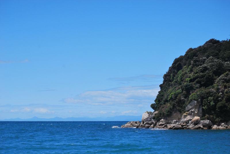Into the blue (Abel Tasman)