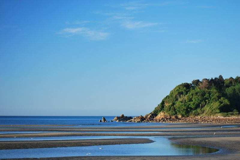 Ligar Bay (Golden Bay)