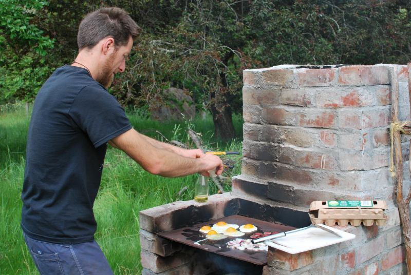Olmec cooking some eggs (Olmec's)