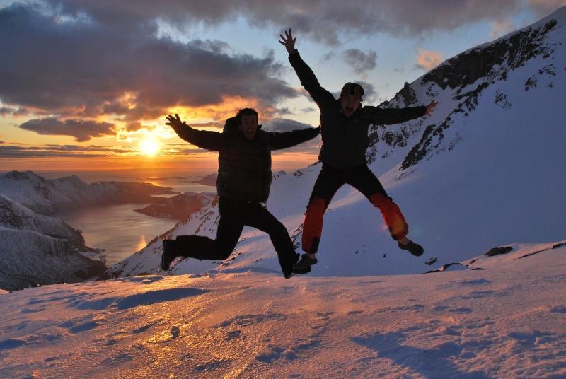 Cris and Chris jumping (Ski touring Glomfjord, Norway)