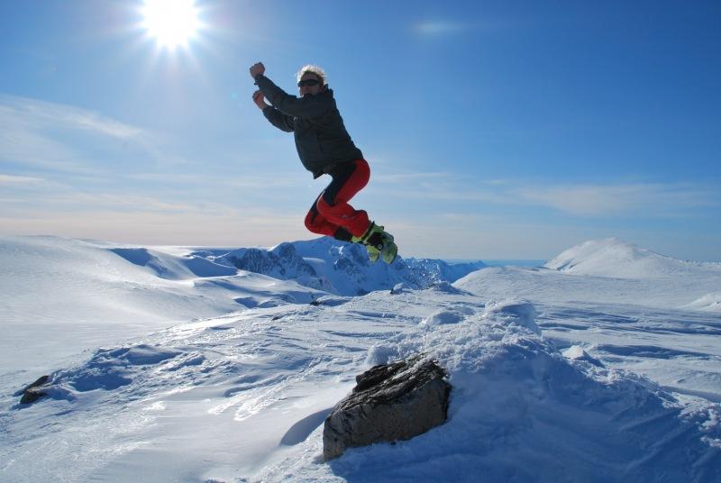 Cris tries to fly (Ski touring Glomfjord, Norway)