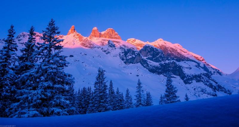 Morning at Lindauer Hütte (Ski touring Lindauer Hütte)