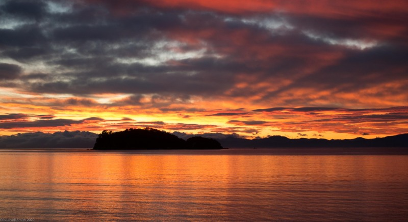 Sunrise in Abel Tasman NP