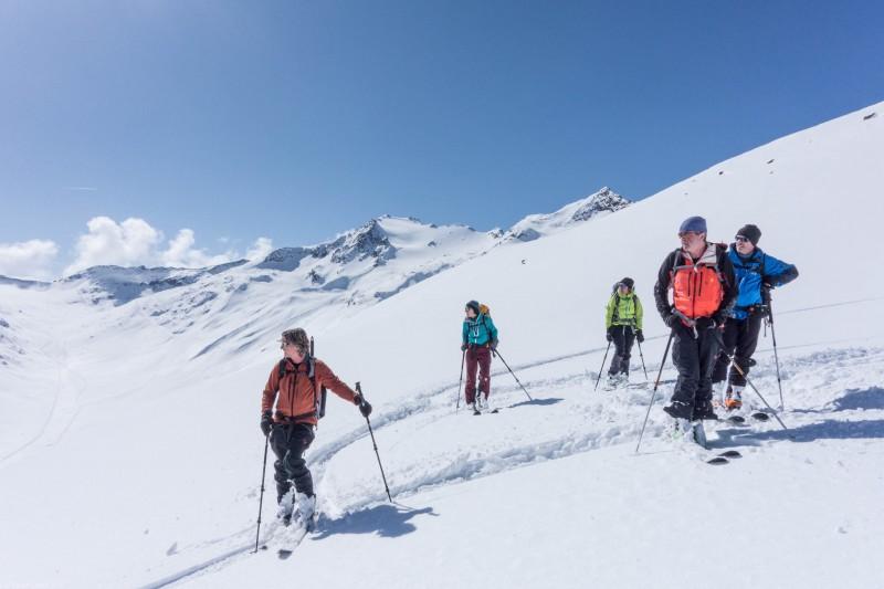 The gang (Ski touring Martin Busch Huette)