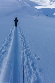 Heading over the Jamtalferner (Ski touring Jamtalhuette)