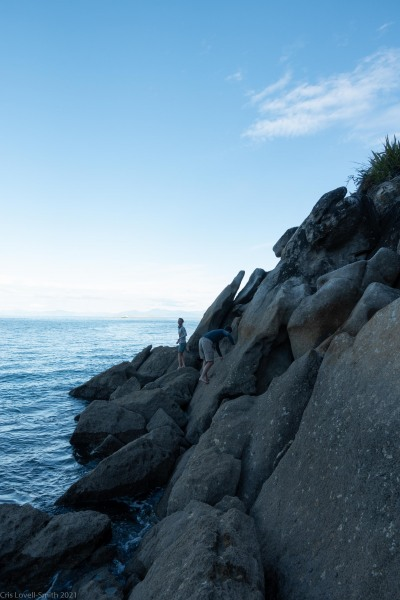 Walking around the rocks at Mosquito Bay (Seakayaking Abel Tasman April 2021)