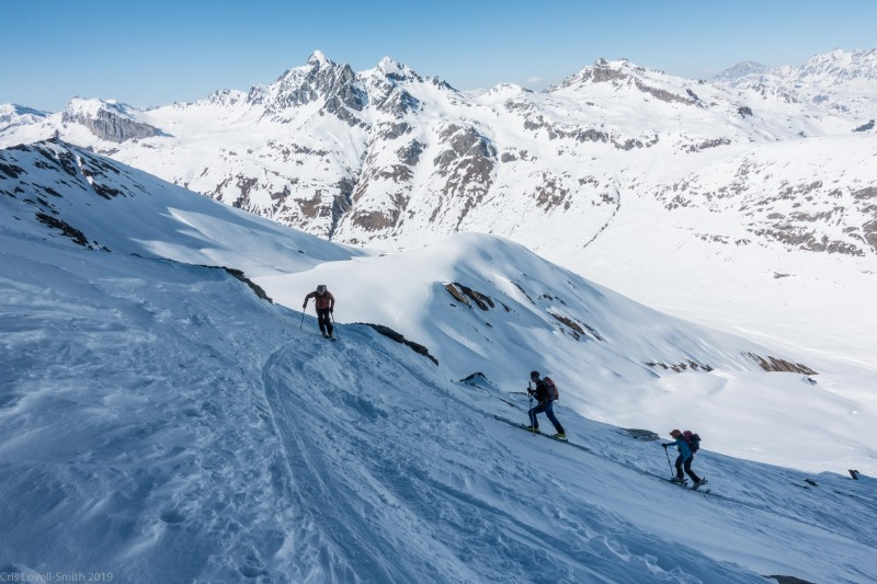 Ascending Juferhorn (Ski tourinig Avers March 2019)