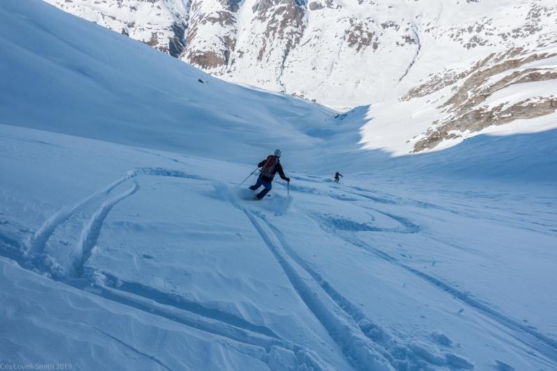 Descending (Ski tourinig Avers March 2019)