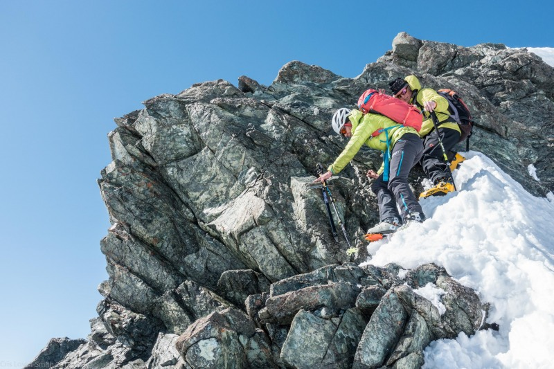 Descending the tricky bit (Ski touring Avers March 2019)