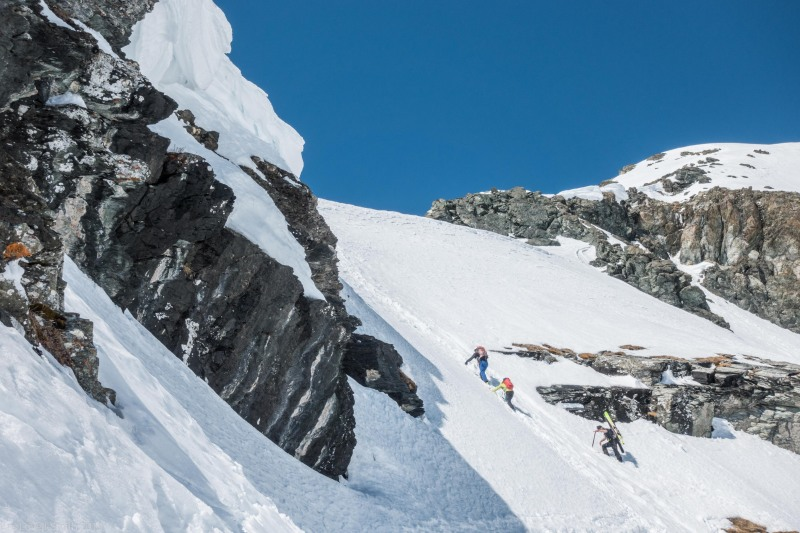 Roland leads the way after the traverse (Ski touring Avers March 2019)
