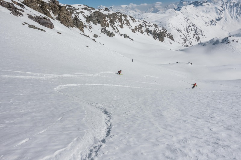 Skiing back down (Ski touring Avers March 2019)