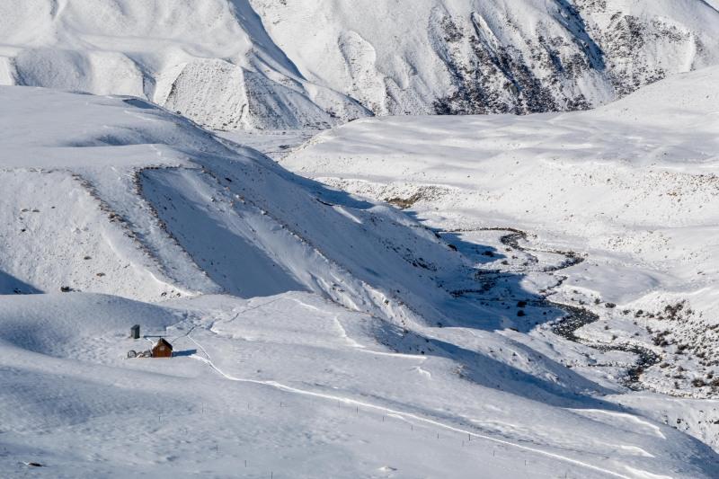 Camp Stream Hut from the ridge (Ski Touring Camp Stream Hut Aug 2021)