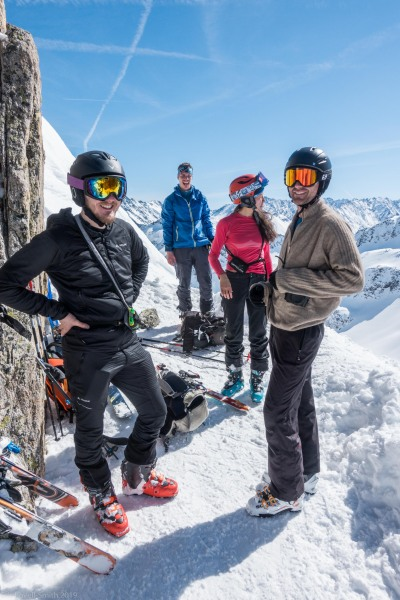 Hanging about at the saddle (Skitouring Kuehtai March 2019)