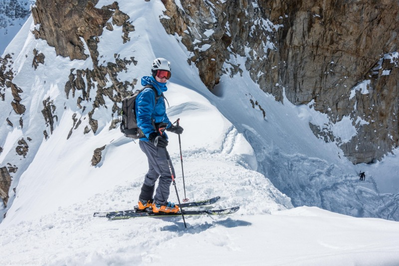 Johannes about to descend from the Wechnerscharte (Skitouring Kuehtai March 2019)