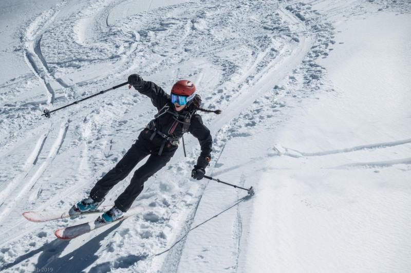 Rachel on the descent (Skitouring Kuehtai March 2019)