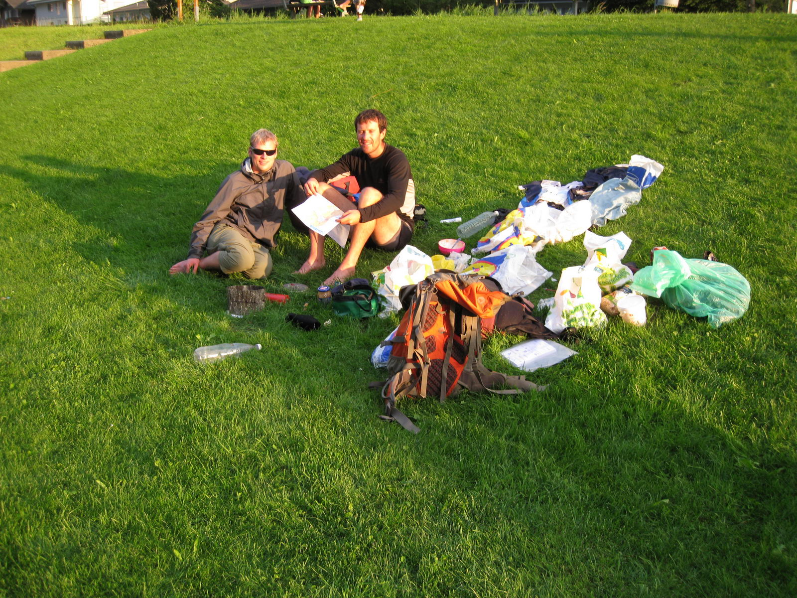 Cris and Chris on the grass (Swiss O Week, Switzerland)
