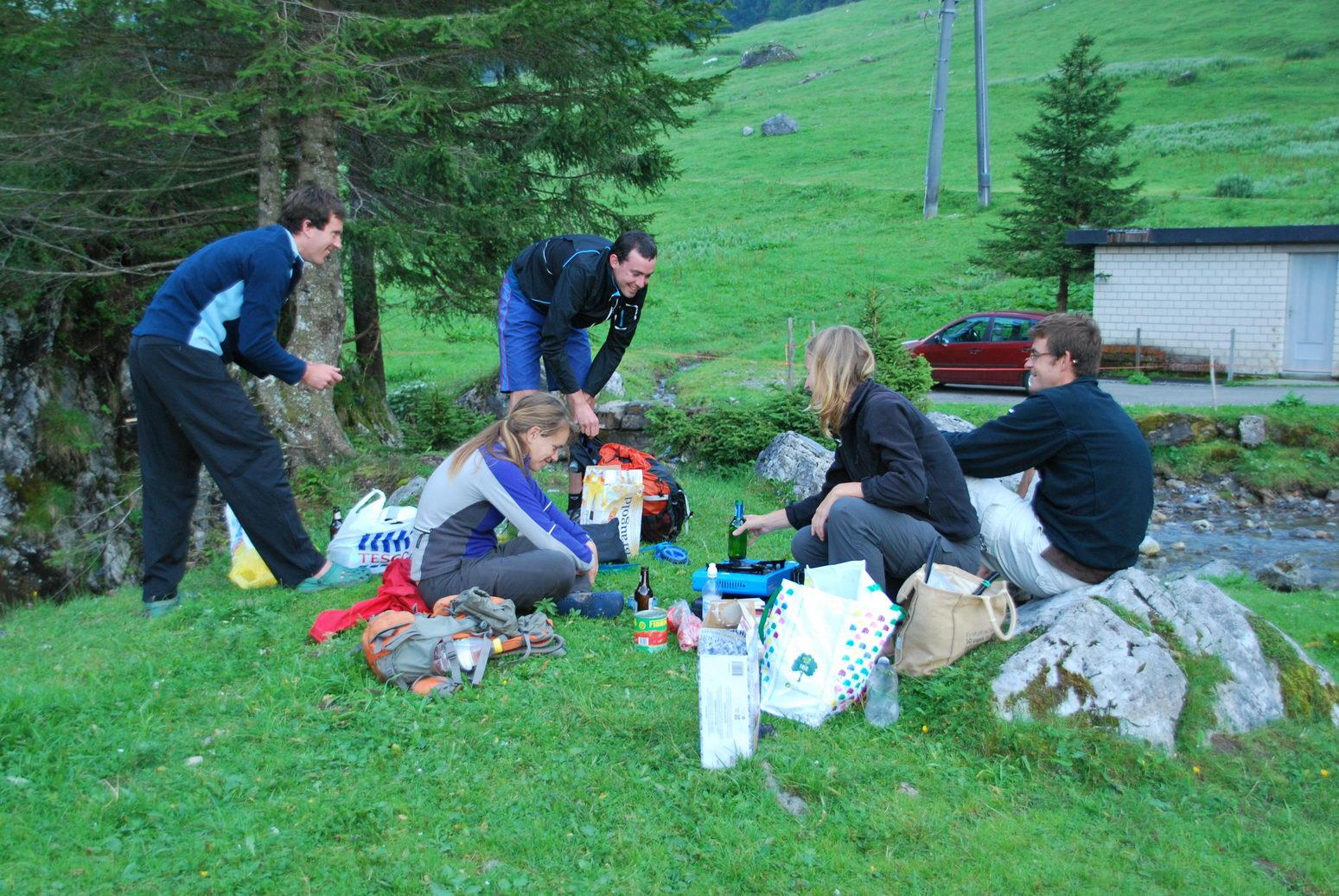 getting-tea-ready-2-swiss-o-week-switzerland