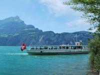 boat-on-lake-swiss-o-week-switzerland