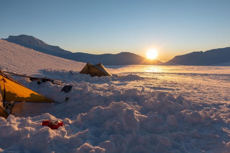Tents and sun (Tongariro Adventures July 2021)