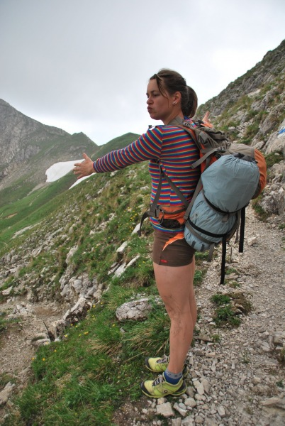 Emily directs (Tramping Schrecksee, Germany)