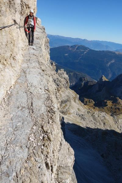 A narrow path (Brenta Dolomites)