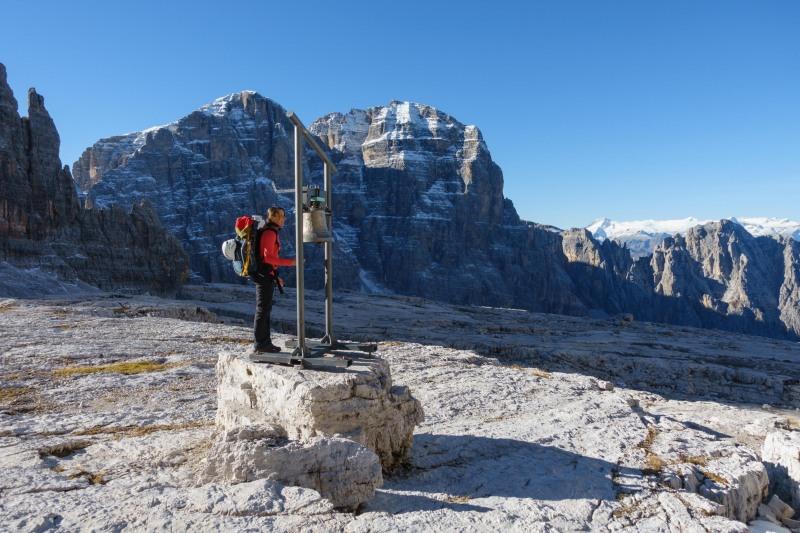 Leonie rings the bell (Brenta Dolomites)