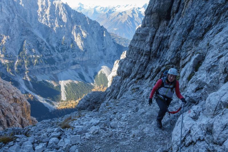 Leonie walking (Brenta Dolomites 2016)