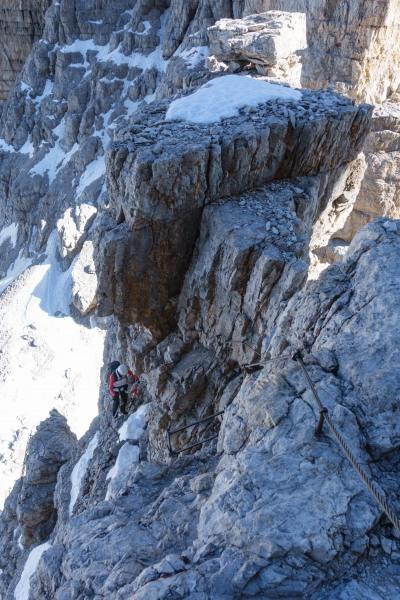Looking down towards Leonie (Brenta Dolomites)