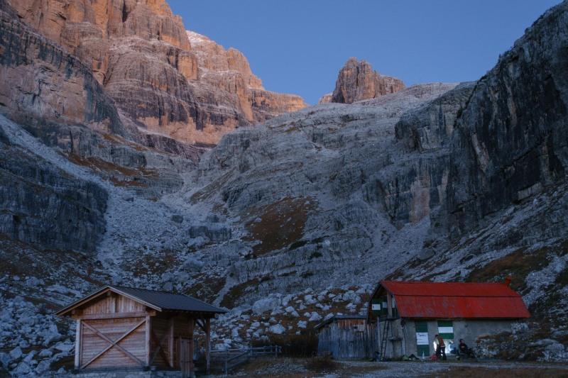 View up to the rocks (Brenta Dolomites 2016)