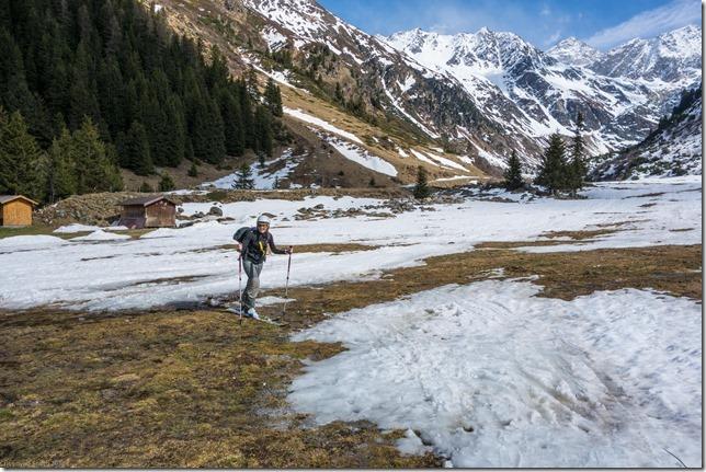 Leonie navigating springtime (Ski touring Linker Fernerkogel, Austria)