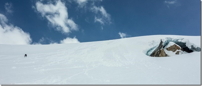 Leonie skiing down the Karlesferner (Ski touring Linker Fernerkogel, Austria)