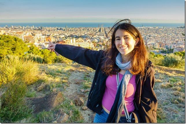 Ari pointing (Visiting Barcelona 2019)
