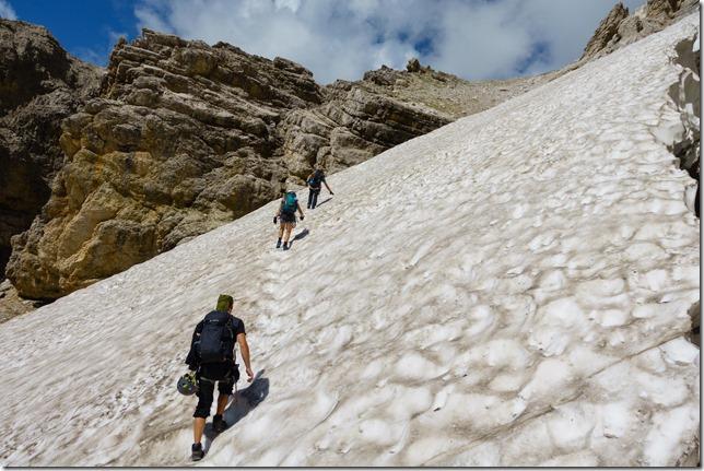 Crossing snow (Dolomitten ohne Grenzen 2019)