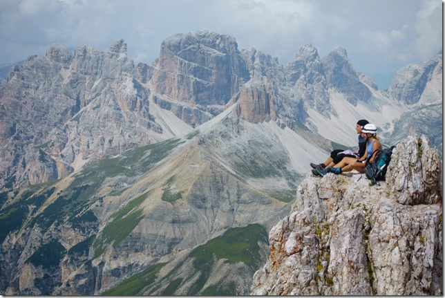 Phil and Julie taking a lunch break (Dolomiten ohne Grenze August 2019)