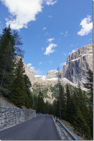 Pretty scenery in the dolomites (Cycling in the dolomites April 2017)