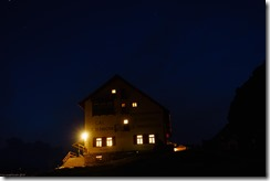 The Drei Zinnen hut by night (Dolomitten ohne Grenzen 2019)