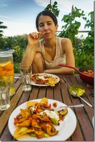 Ari feasting (Ari visits 2020)