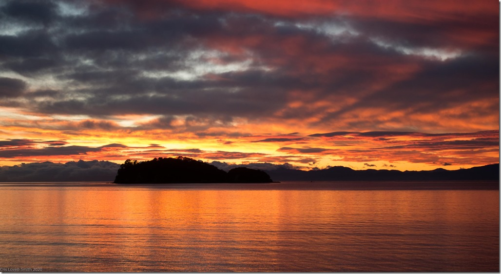 Sunrise in Abel Tasman NP