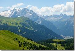 View down to Canazei from Sellajoch (Giro delle Dolomiti 2019)