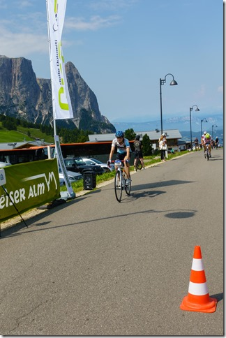 Leonie crossing the finish line (Giro delle Dolomiti 2019)